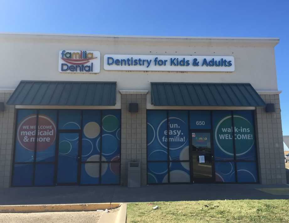 Familia Dental Plainview