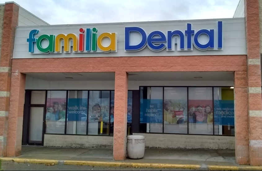 Familia Dental Racine