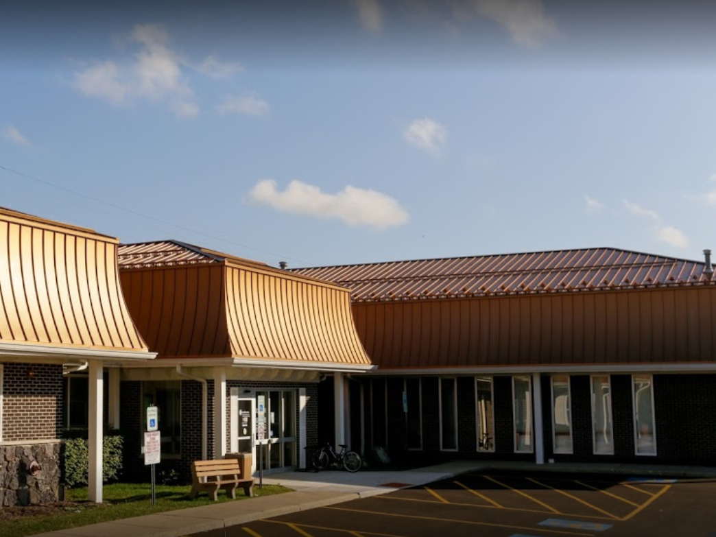 Mid Lakes Medical And Dental Building