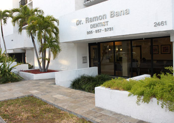 Dentist Ramon Bana