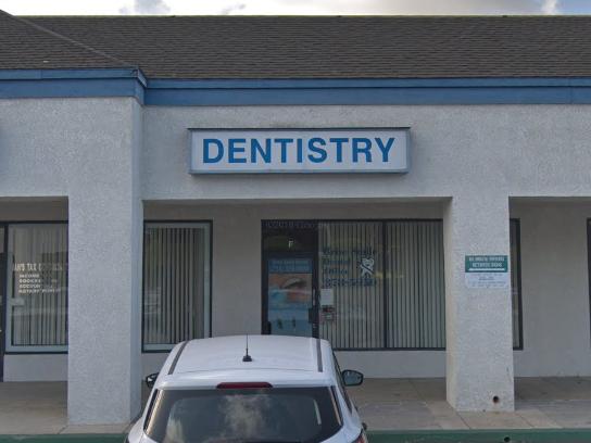 Brite Smile Dental: S. Sakr, DDS